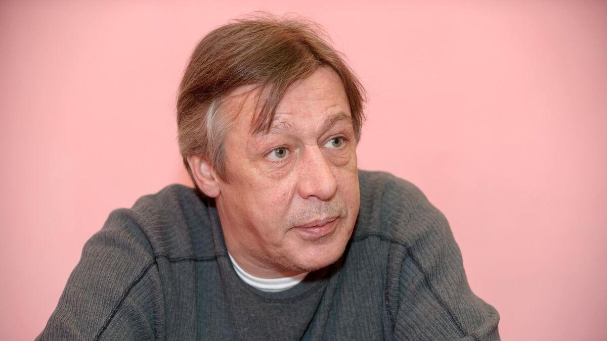 «Передвигается свободно»: Ефремову позволяют вольности в тюрьме