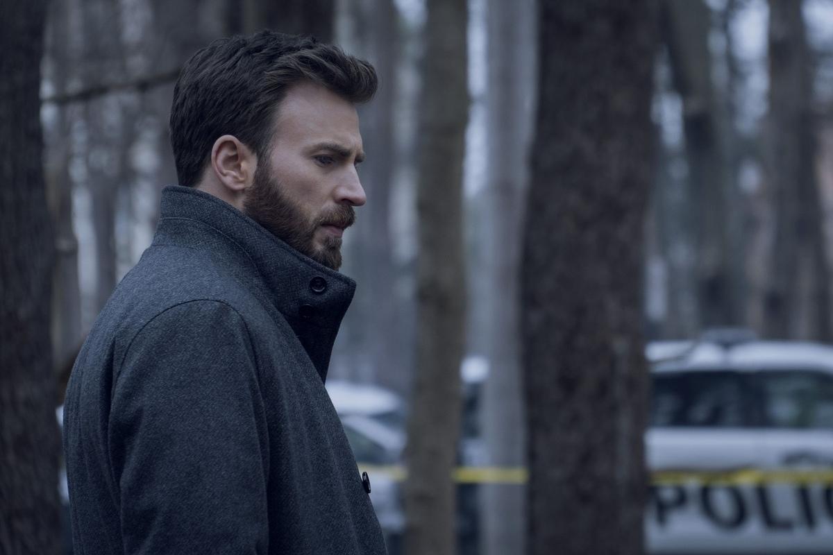 Сериал «Защищая Джейкоба» с Крисом Эвансом получил дату премьеры: первые кадры