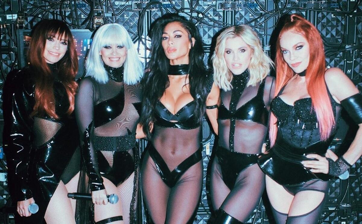 Все-таки воссоединились: The Pussycat Dolls вместе вышли на сцену впервые за 10 лет