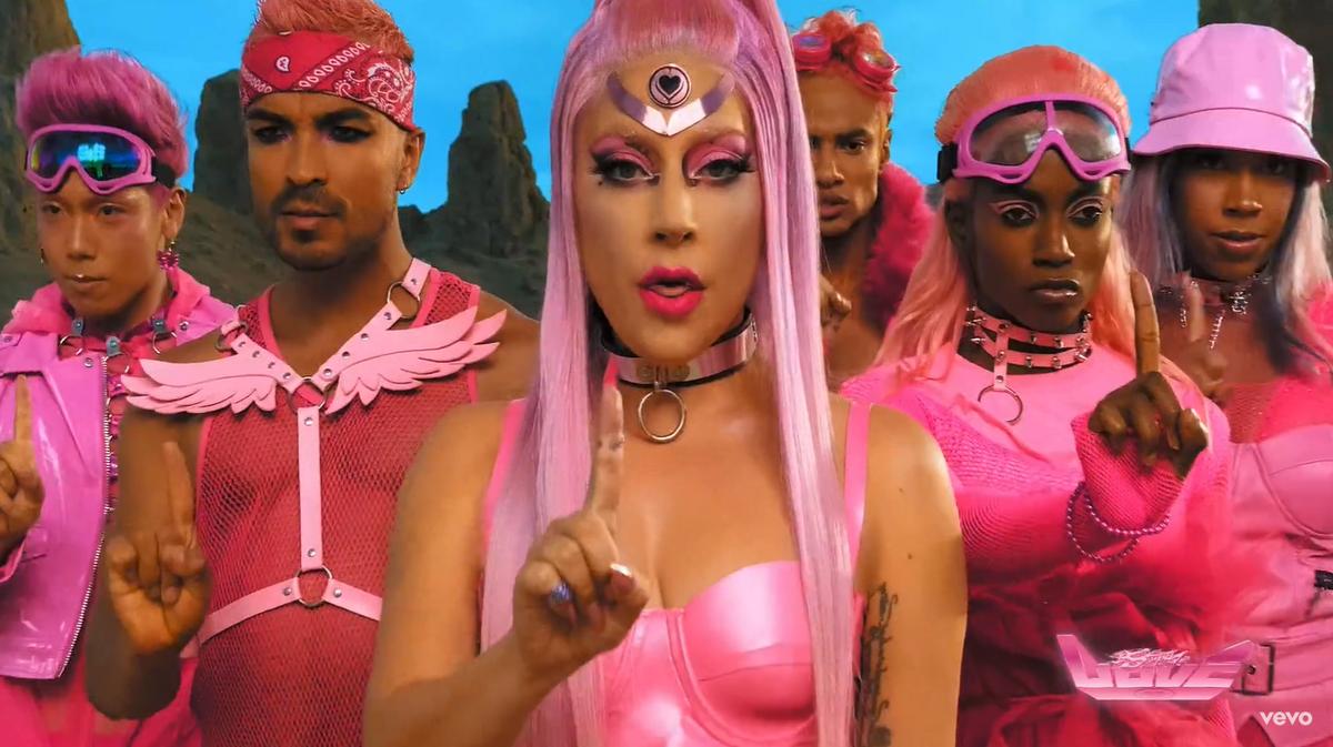 Леди Гага представила музыкальный клип, снятый на iPhone 11 Pro