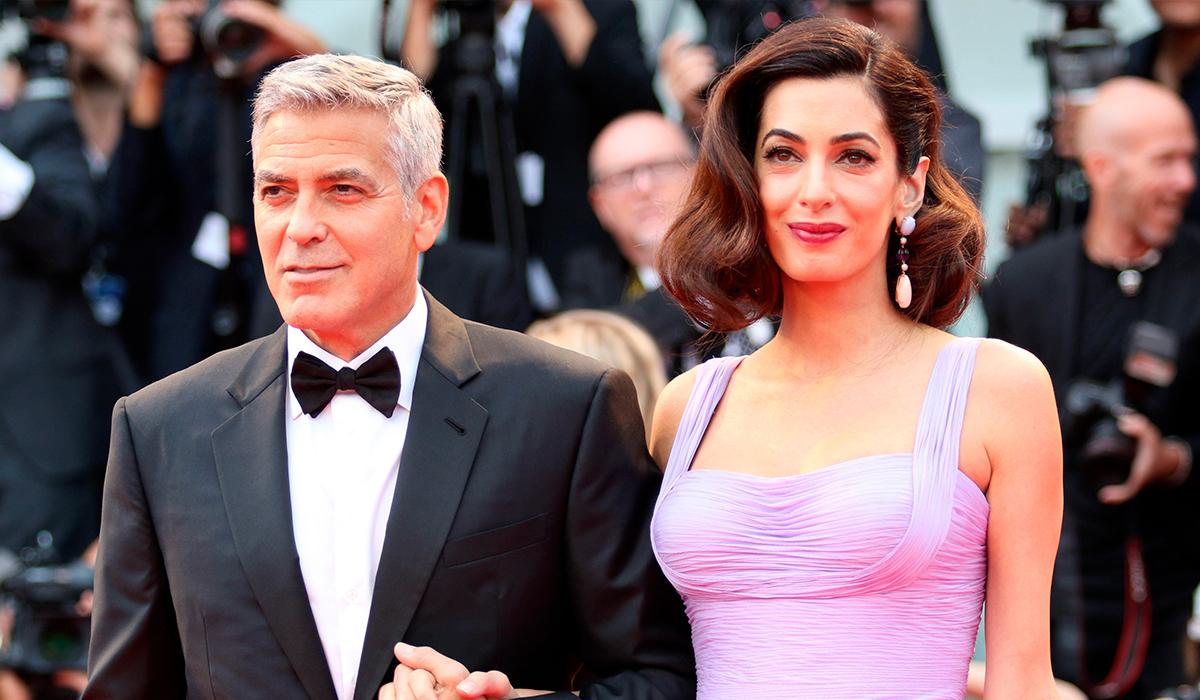 Джордж Клуни учит детей «ужасным вещам», чтобы разыграть Амаль