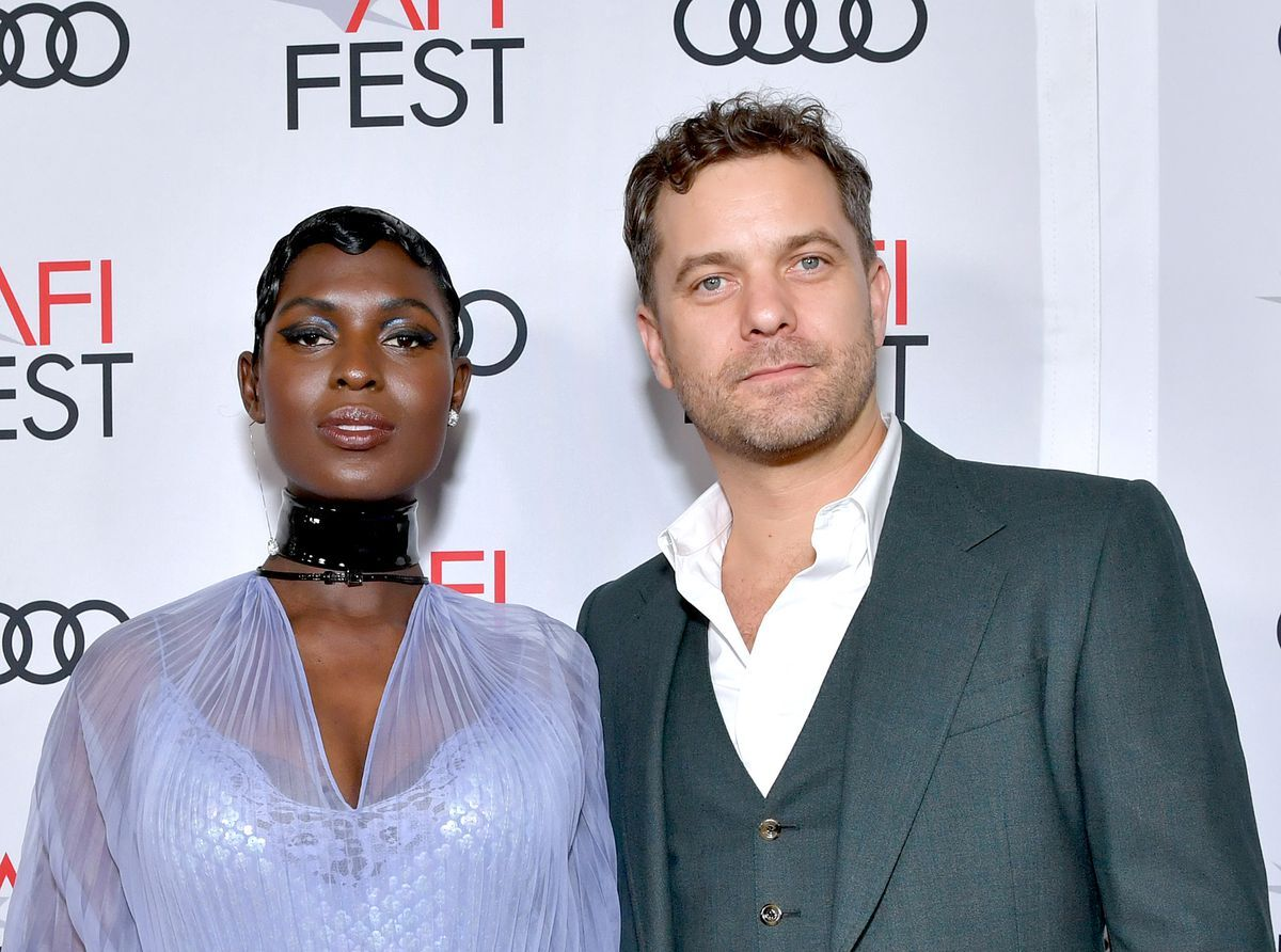 Жена Джошуа Джексона рожала дома из-за «системного расизма»