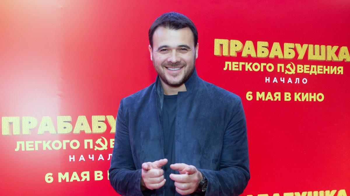 Больше не один: Эмин Агаларов намекнул на новый роман