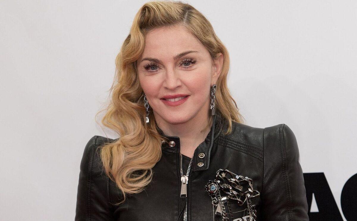 «Без фильтров ничтожна»: растолстевшая Мадонна опозорилась в церкви