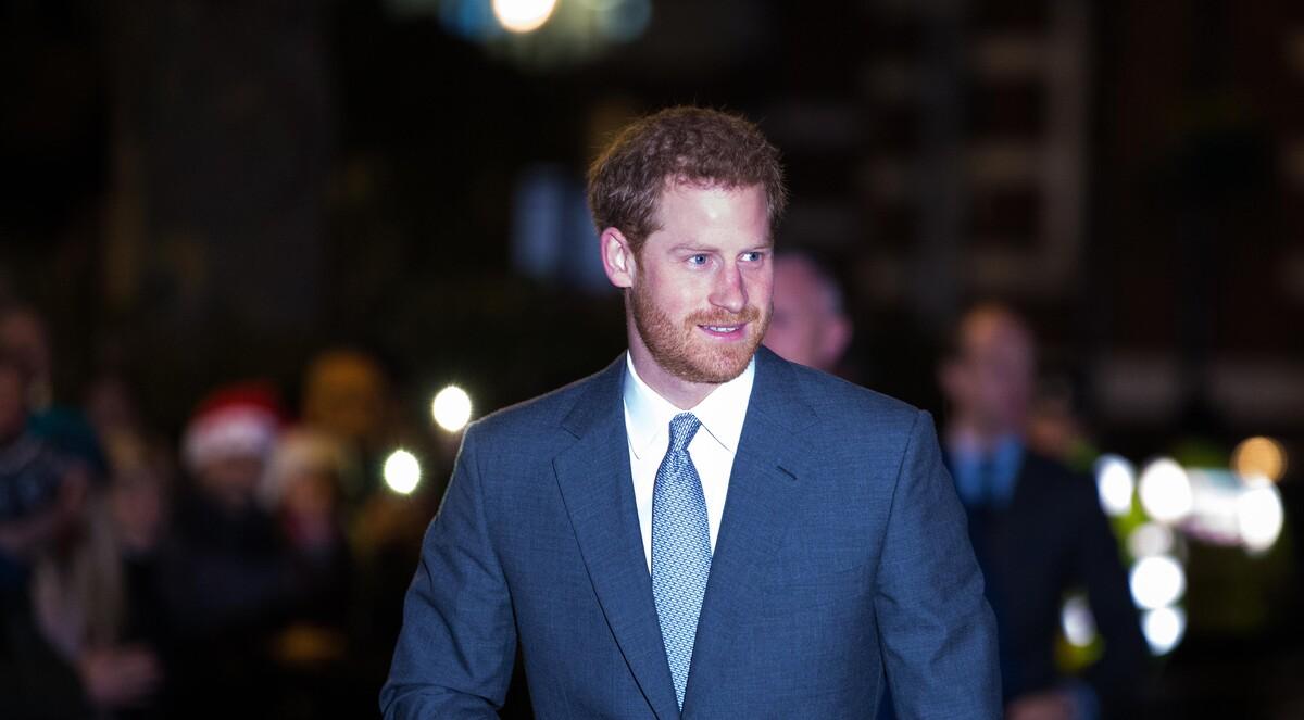 Больше не подкаблучник: принц Гарри решил извиниться перед семьей