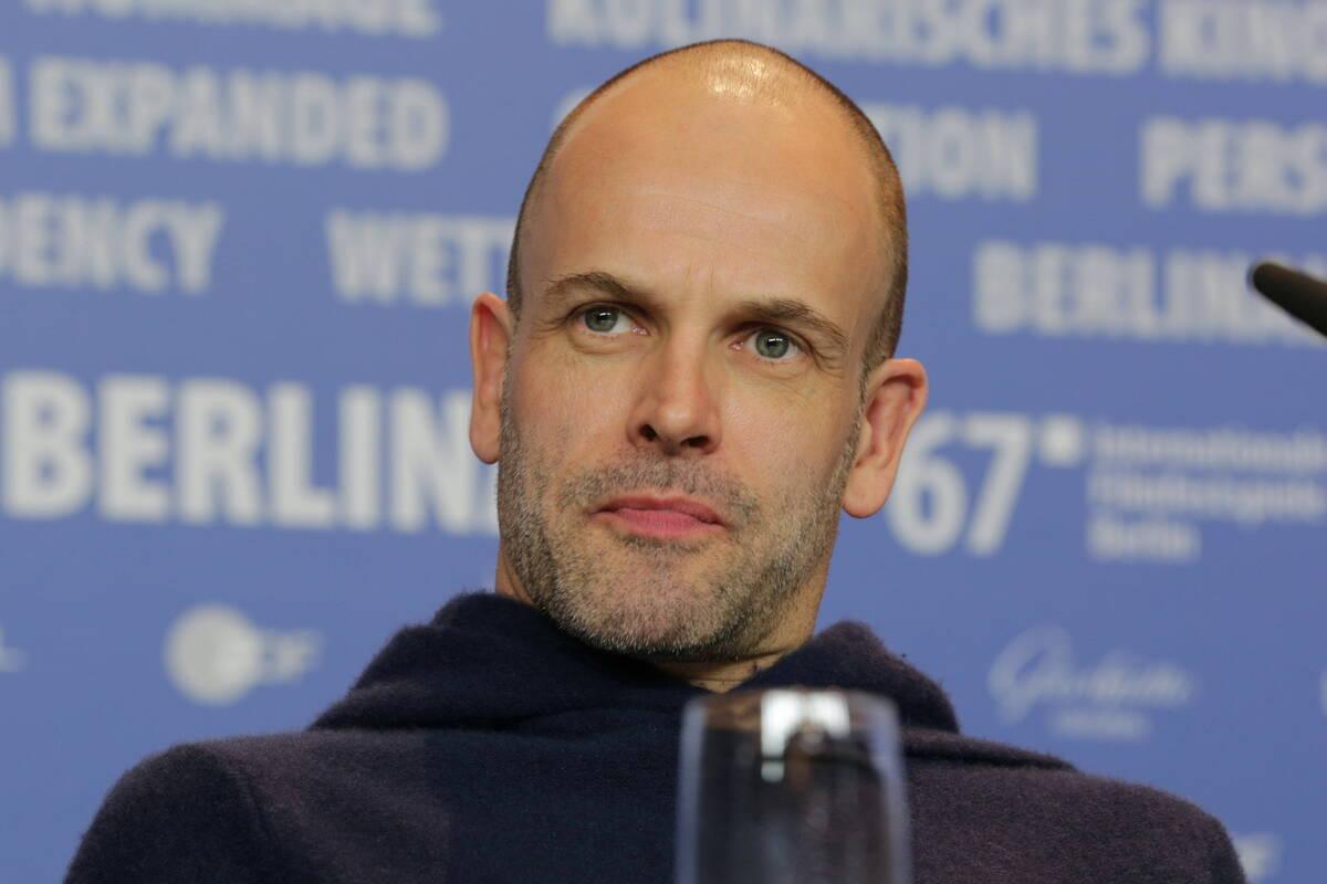 Первый муж Анджелины Джоли сыграет в пятом сезоне «Короны»