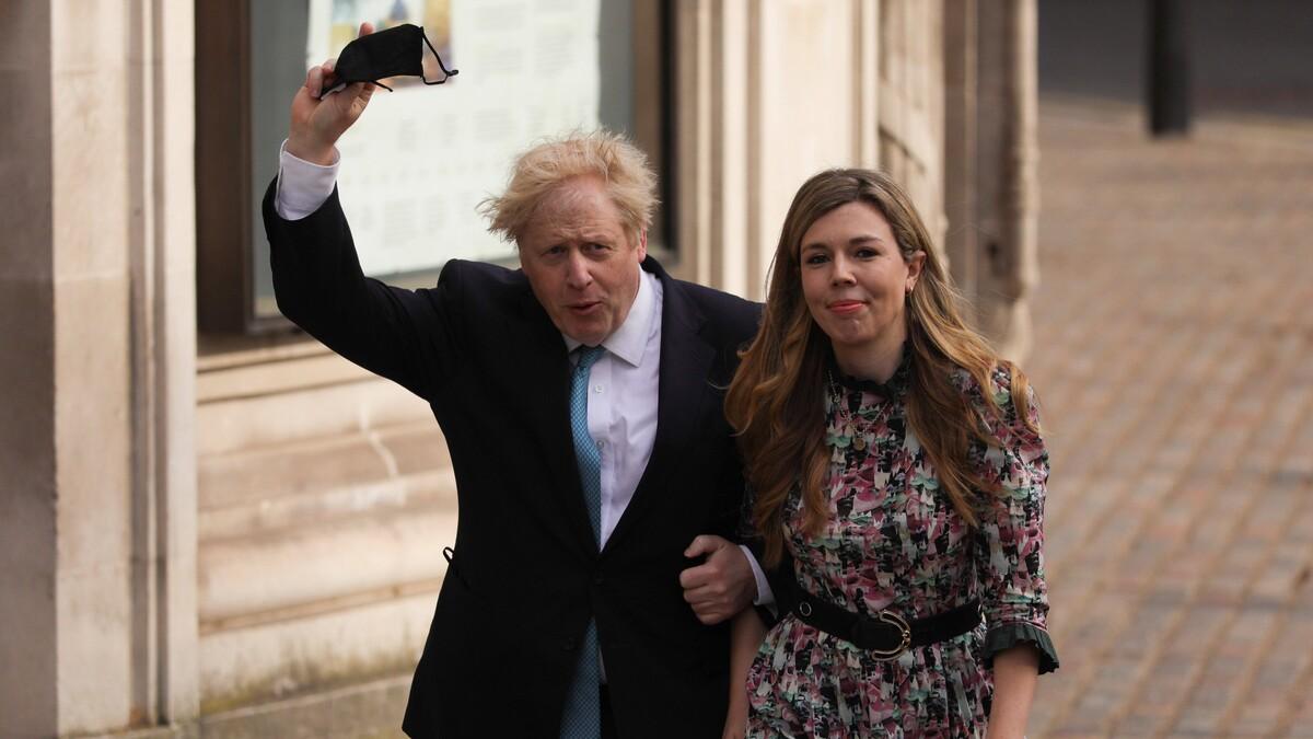 Жена почти вдвое младше: Борис Джонсон женился на молодой возлюбленной