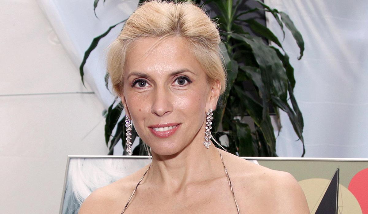 """""""Пусть пишут, что я старая"""": 58-летняя Алена Свиридова отреагировала на критику"""