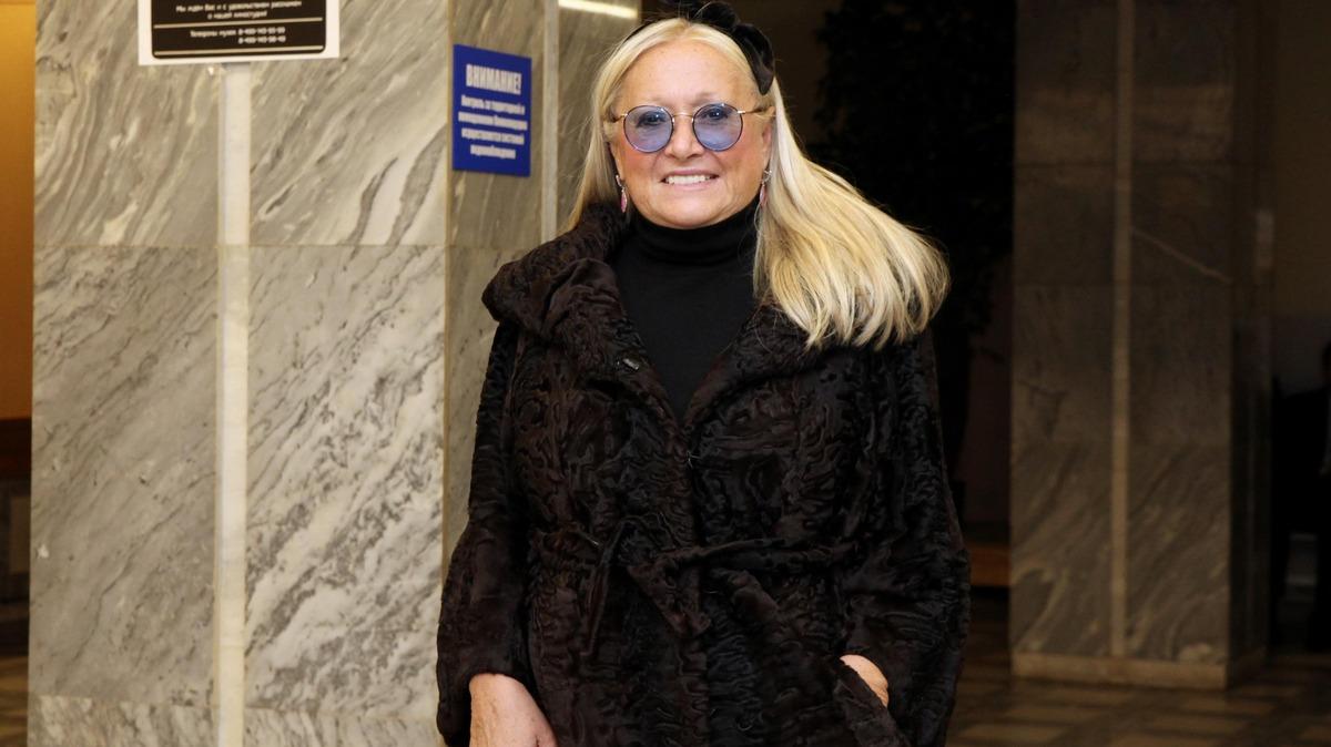 «Ляхи по трояхе»: жена Михалкова в коротких шортах взорвала Сеть