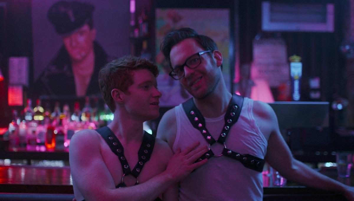 Пустили в анналы: Netflix закрыл сериал про ЛГБТ-парня, постигающего БДСМ