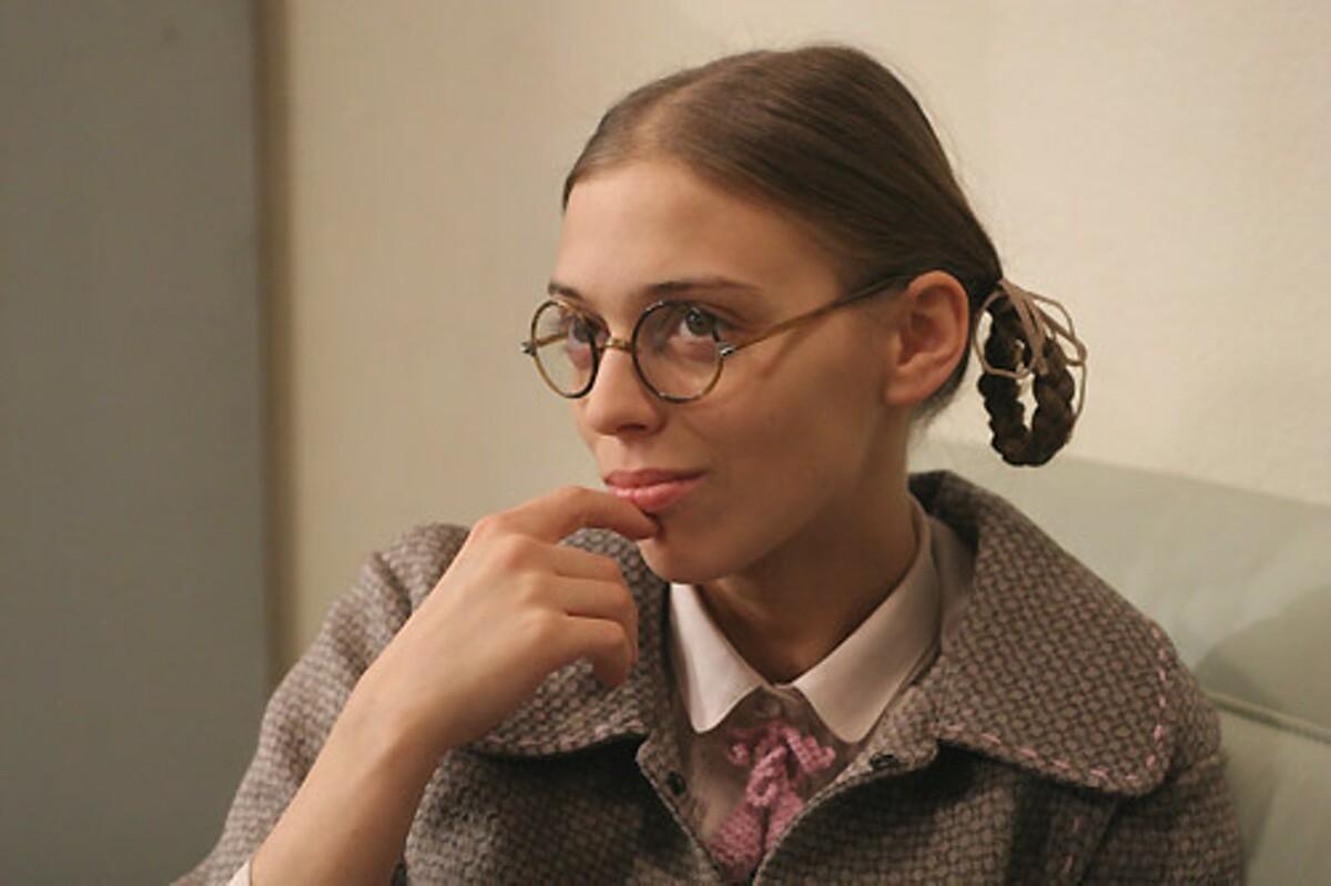 «Беременна?»: как сегодня выглядит располневшая звезда «Не родись красивой» Нелли Уварова