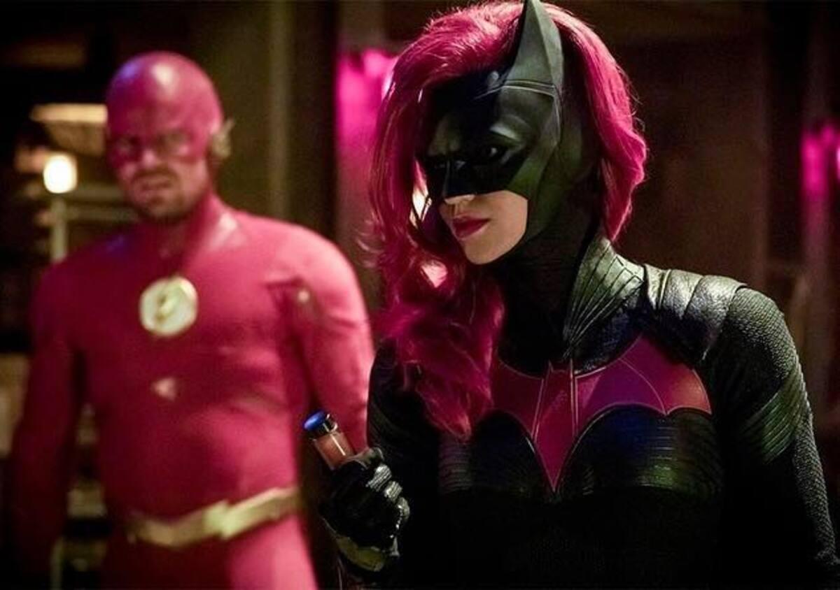 Руби Роуз развеяла слухи и домыслы о ее решении покинуть сериал «Бэтвумен»