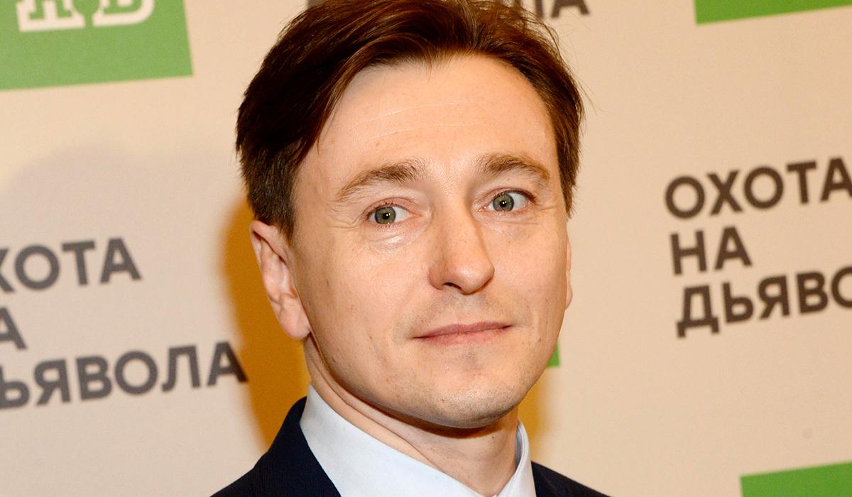 «Новая часть «Бригады»?»: Сергей Безруков заинтриговал фанатов сюрпризом