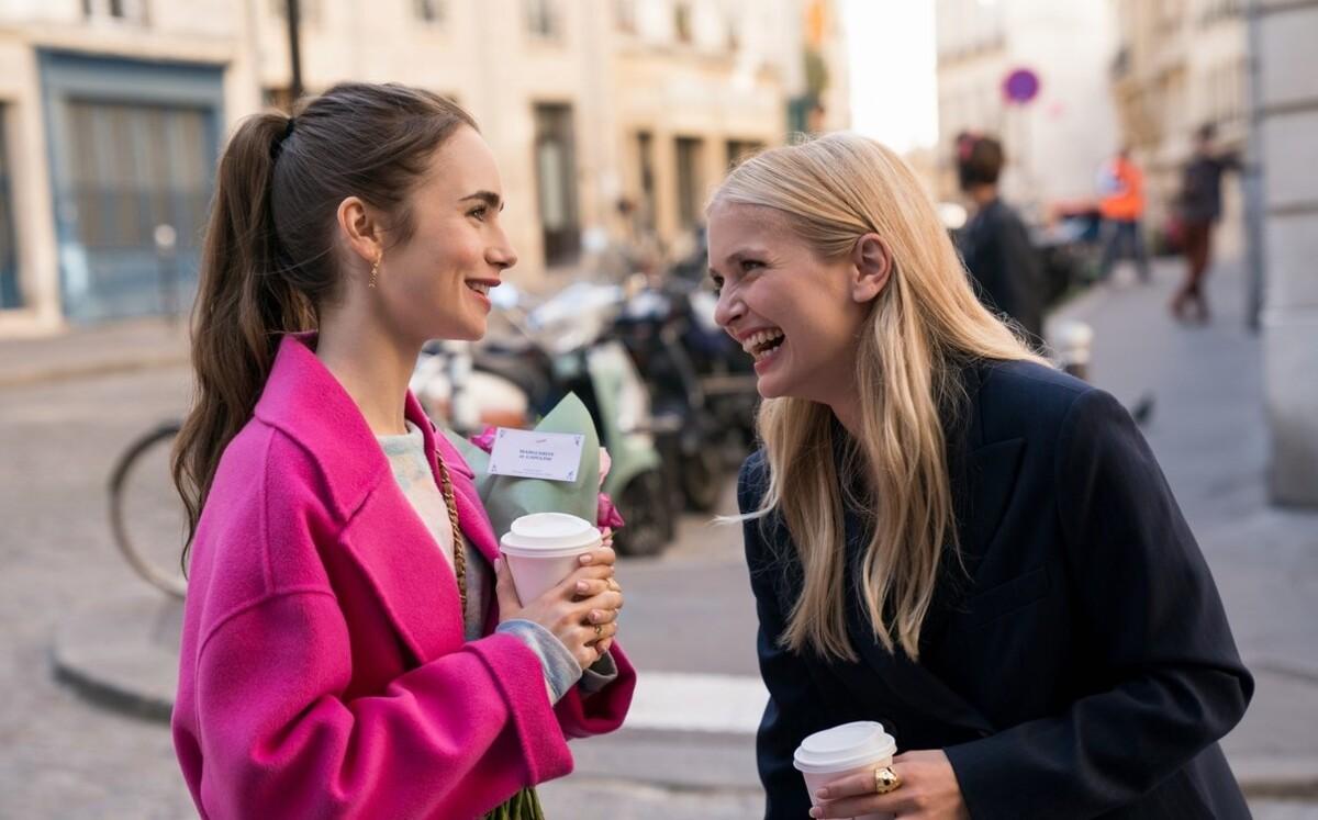 Netflix досталось от французов за «клишированный» сериал «Эмили в Париже»