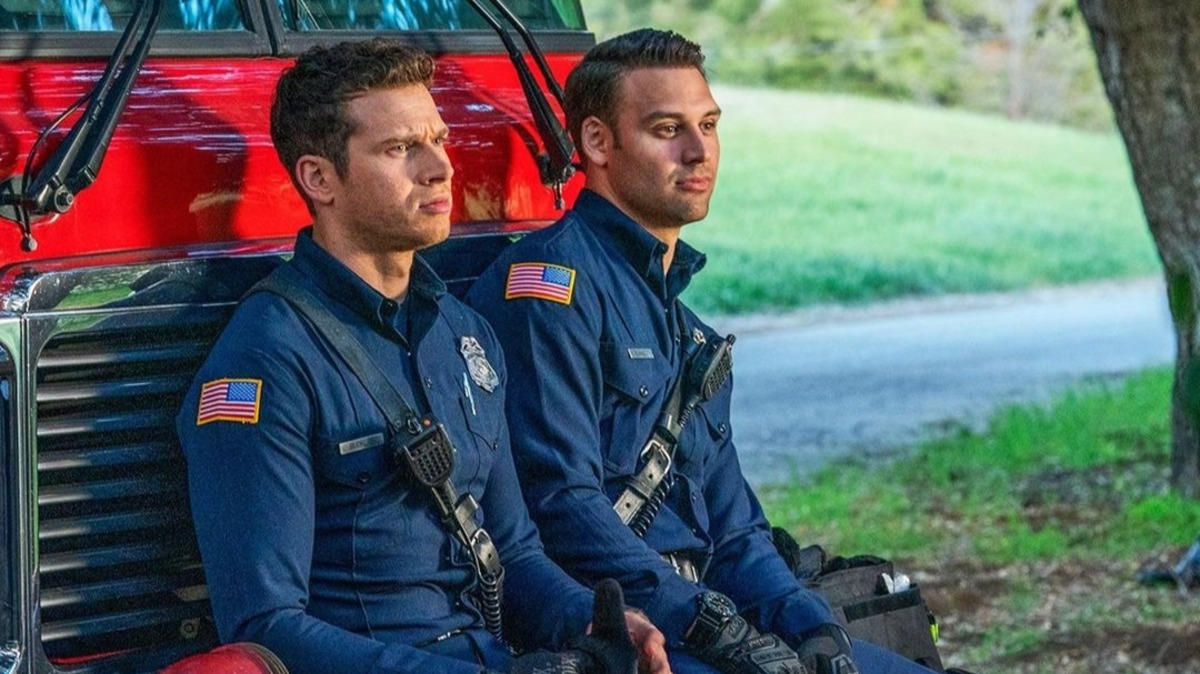 Сюрприз для фанатов: сериал «911 служба спасения» продлили на 5 сезон