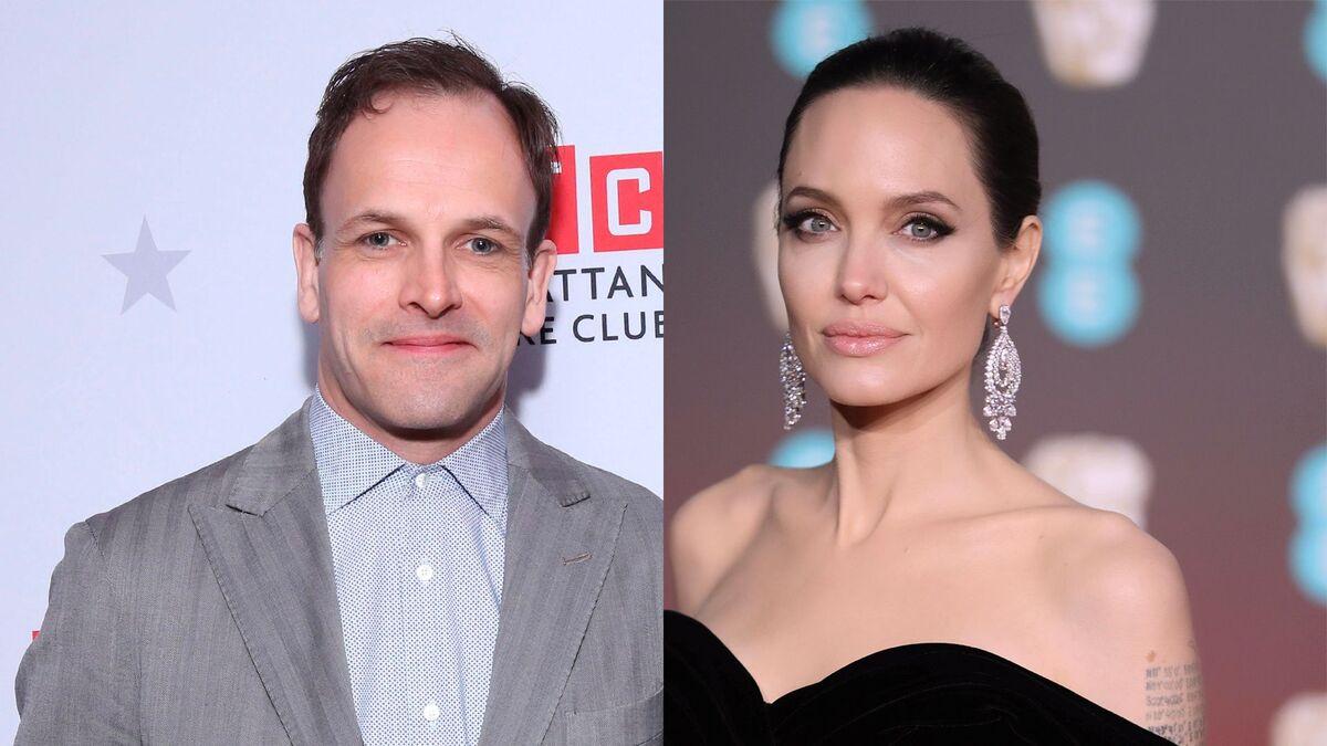 По стопам Лопес? Анджелину Джоли подловили на «свидании» с бывшим мужем