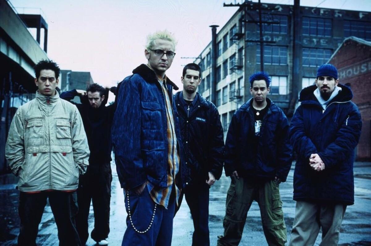 Группа Linkin Park выпустила переиздание первого альбома Hybrid Theory к 20-летнему юбилею