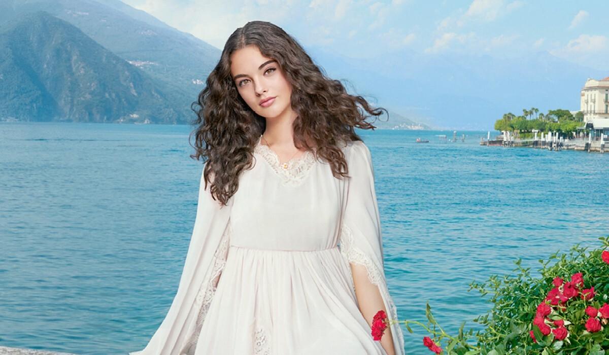 Новое лицо индустрии: дочь Моники Беллуччи украсила обложку Harper's Bazaar