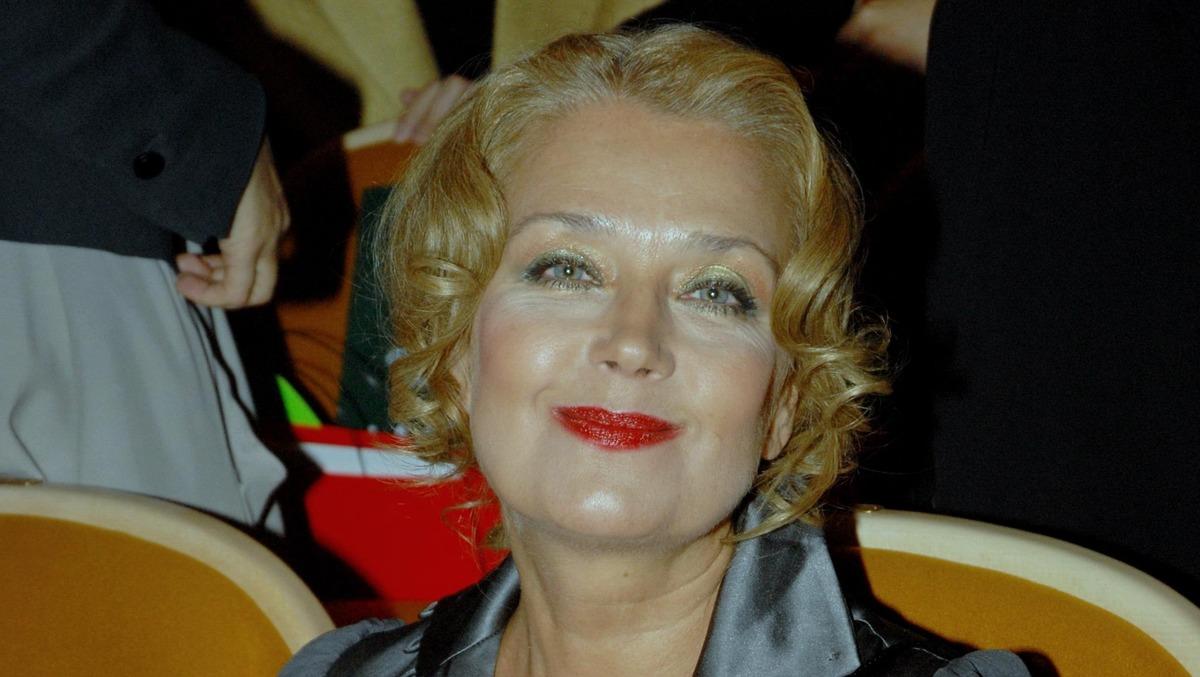 «Заботится не о себе»: состояние страдающей от недуга Алферовой изменилось