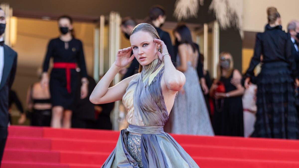Как с красной дорожки: Полина Nioly раскрыла секреты красавиц на Каннском фестивале