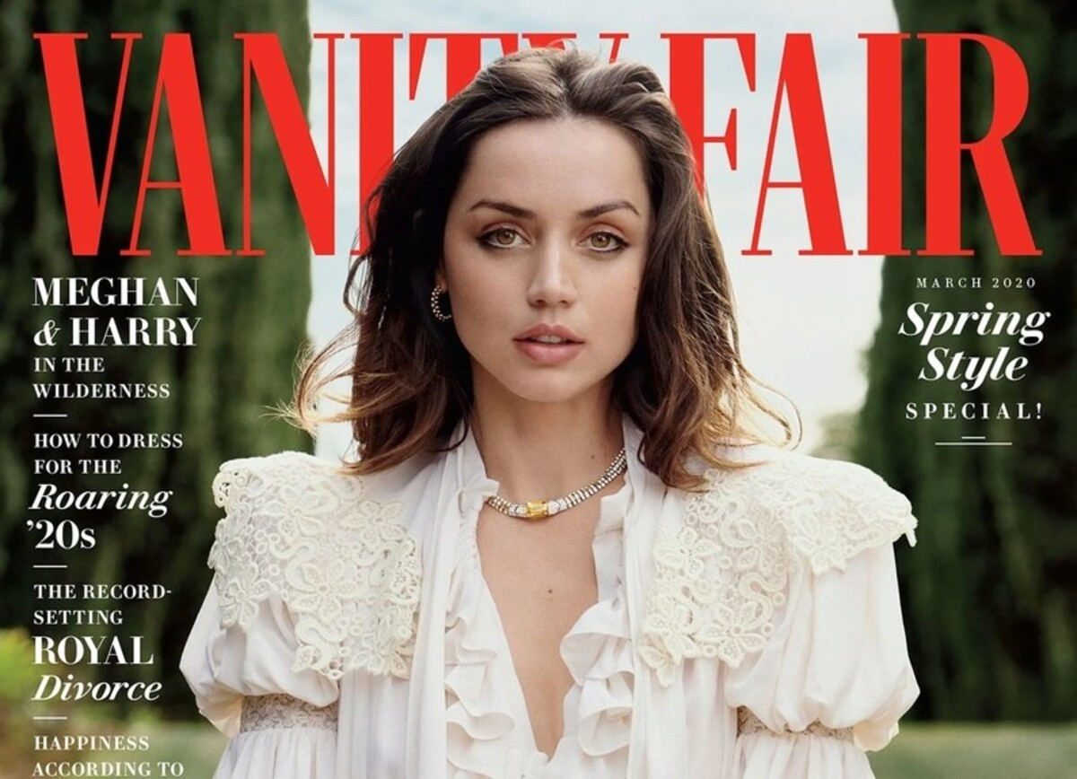 Ана де Армас рассказала, как заговорила на английском за четыре месяца, в интервью Vanity Fair