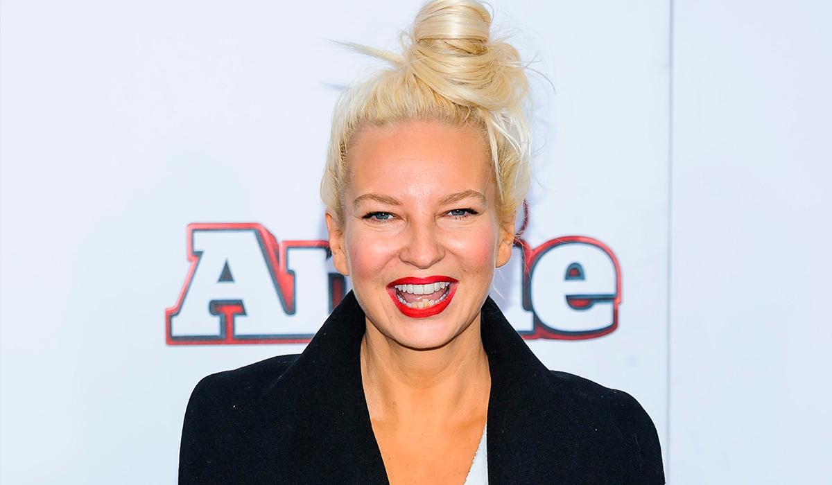 Певицу Sia раскритиковали за то, что она не взяла аутиста на роль аутиста в своем фильме