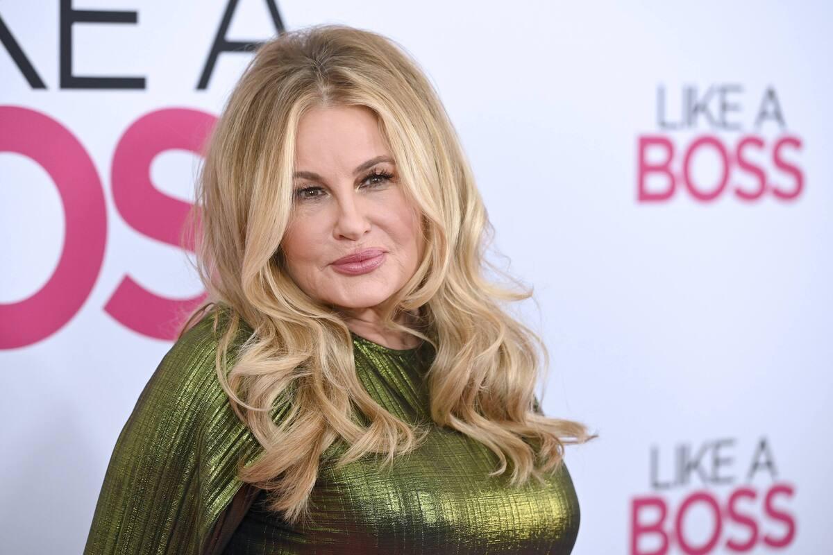 Звезда «Американского пирога» ответила, заменит ли Ким Кэттролл в «Сексе в большом городе»