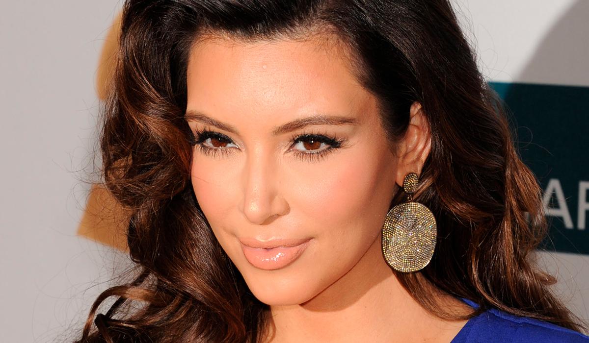 В сети обсуждают Ким Кардашьян в нелепой обуви Канье Уэста