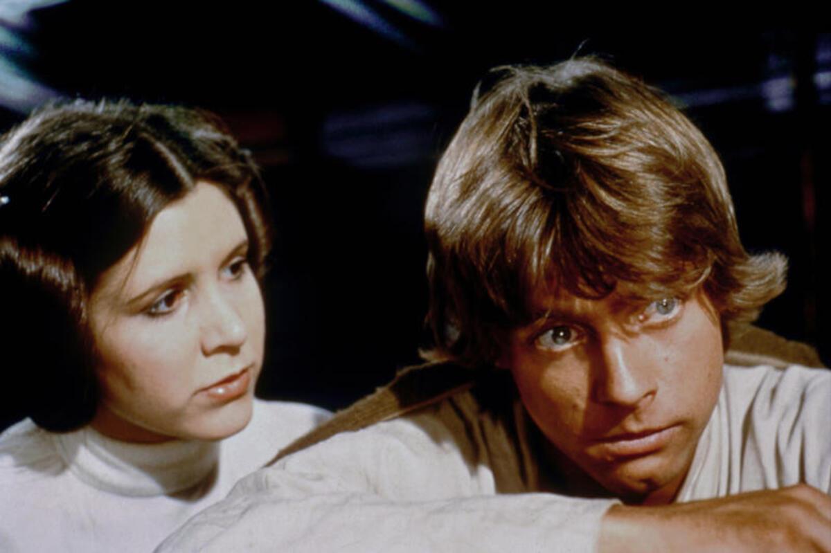 Марк Хэмилл рад, что его сестра по «Звездным войнам» получила «звезду» на Аллее славы посмертно