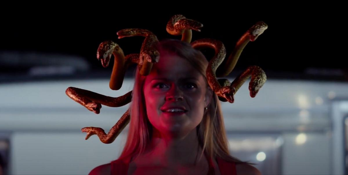 Из богини в наркоманку: миф про Горгону превратили в хоррор в трейлере «Медузы»