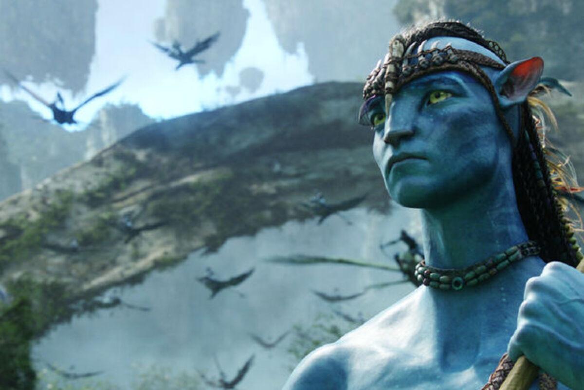 Огонь, зеленый экран и Джеймс Кэмерон: новое фото со съемок «Аватара 2»