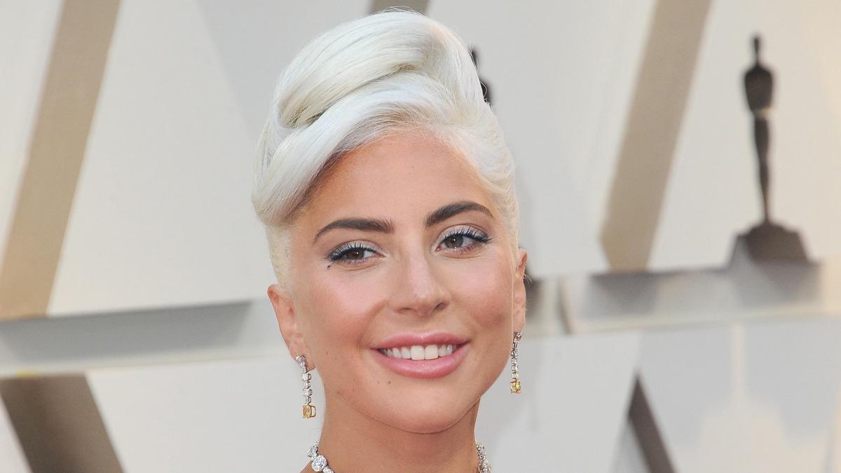 «Изнасиловал и бросил беременную»: Леди Гага разрыдалась на интервью у Опры Уинфри