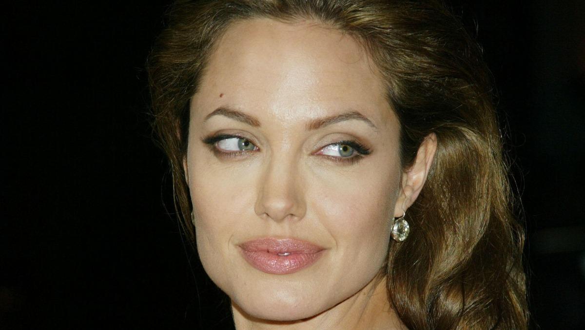 Семью Джоли ждет пополнение: актриса решилась на ответственный шаг
