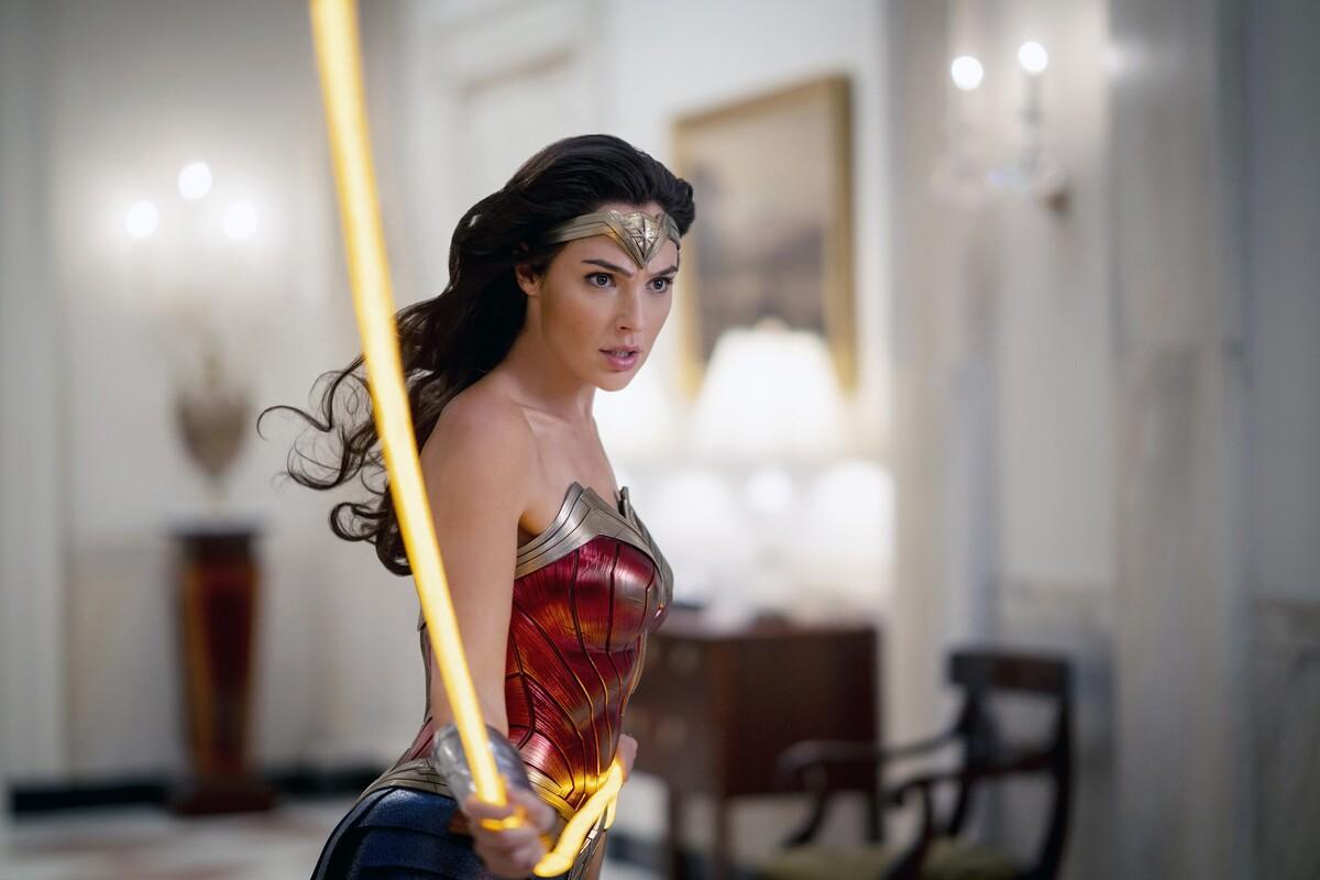 Черная Вдова или Чудо-женщина: этот тест определит, какая ты супергероиня