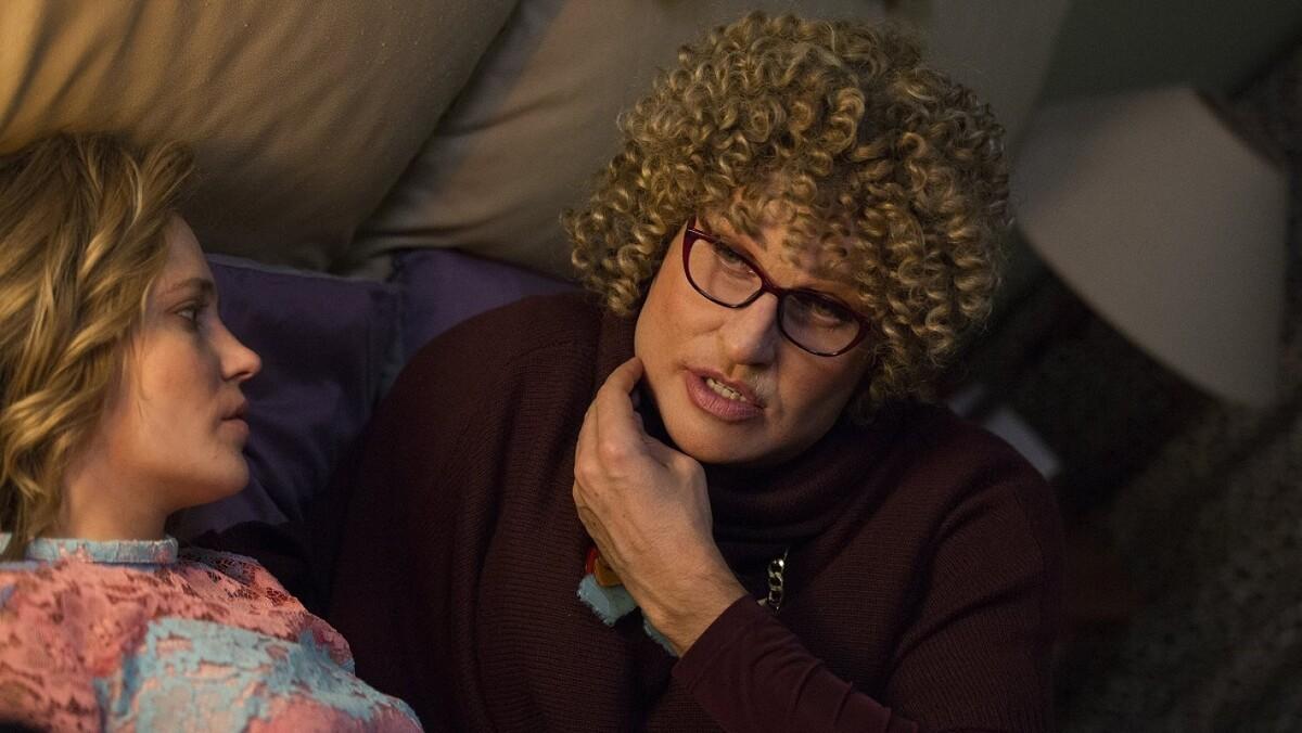 «Бабушка легкого поведения» не окупилась? Фильм уже показывают на ТВ