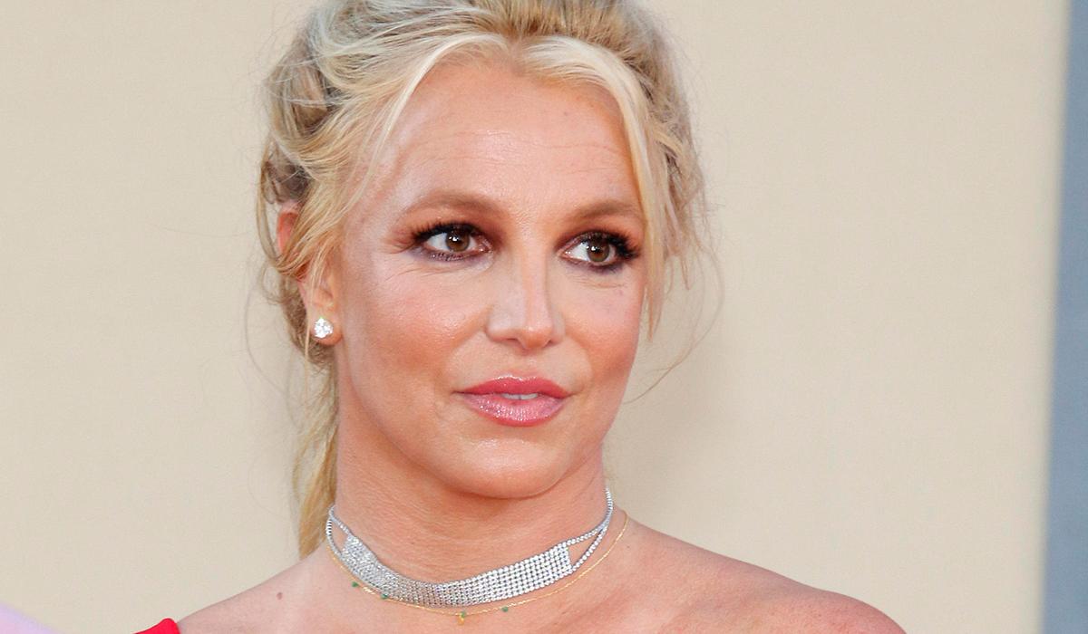 «Я очень счастлива»: Бритни Спирс ответила беспокоящимся о ее здоровье фанатам