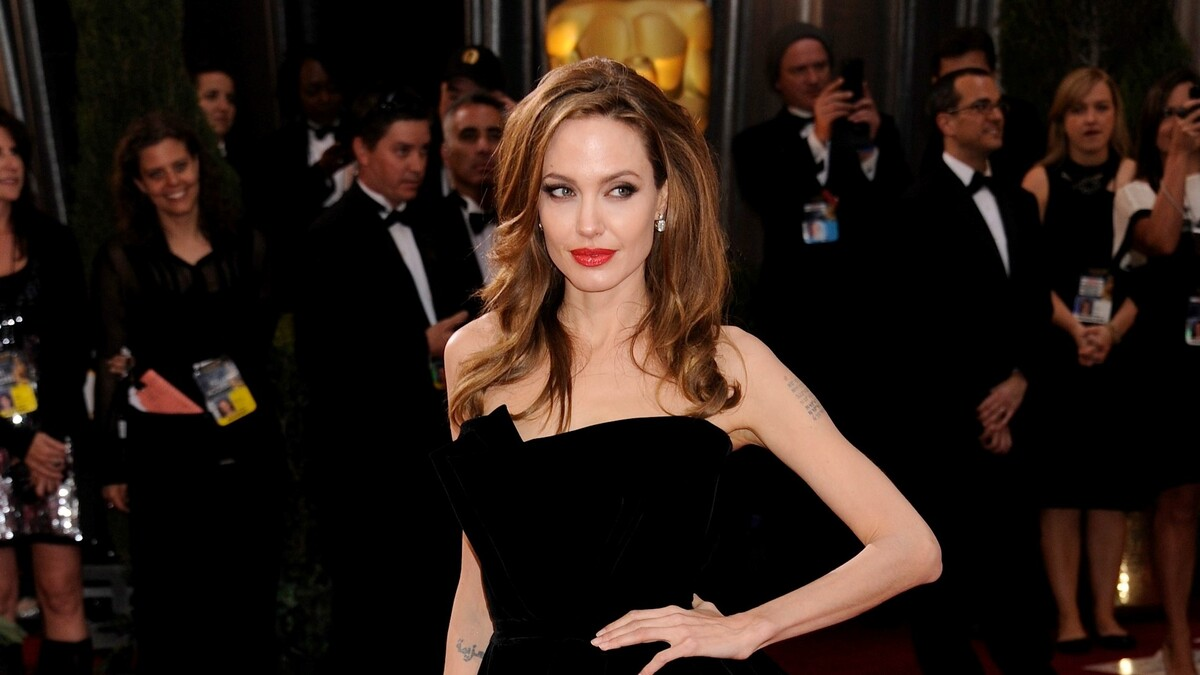 Перебесилась: свежие фото дочери Питта и Джоли бурно обсуждают в Сети