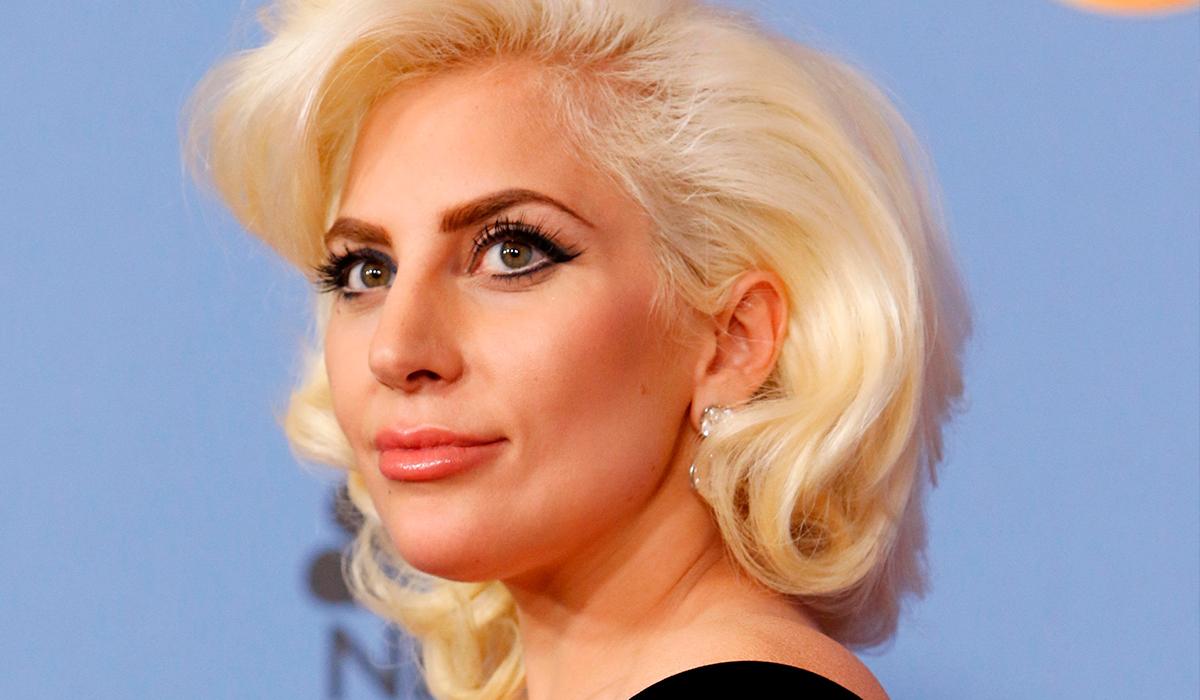 Фото: Леди Гага примерила свадебное платье на съемках «Гуччи»