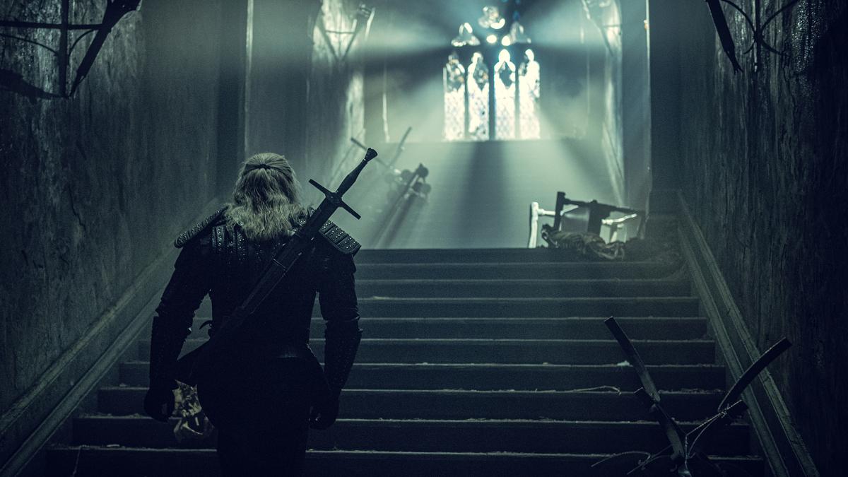 Свежие фото со съемок второго сезона «Ведьмака» намекают на появление Дикой Охоты