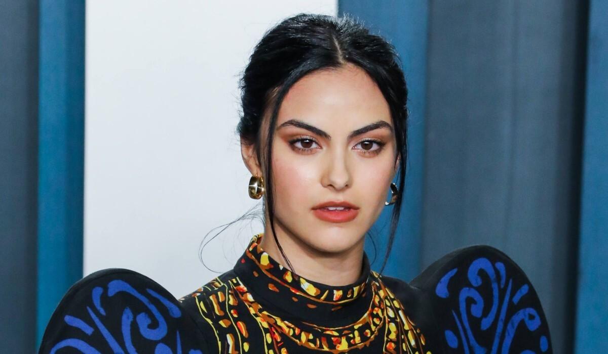 Звезда «Ривердейла» Камила Мендес рассталась с бойфрендом