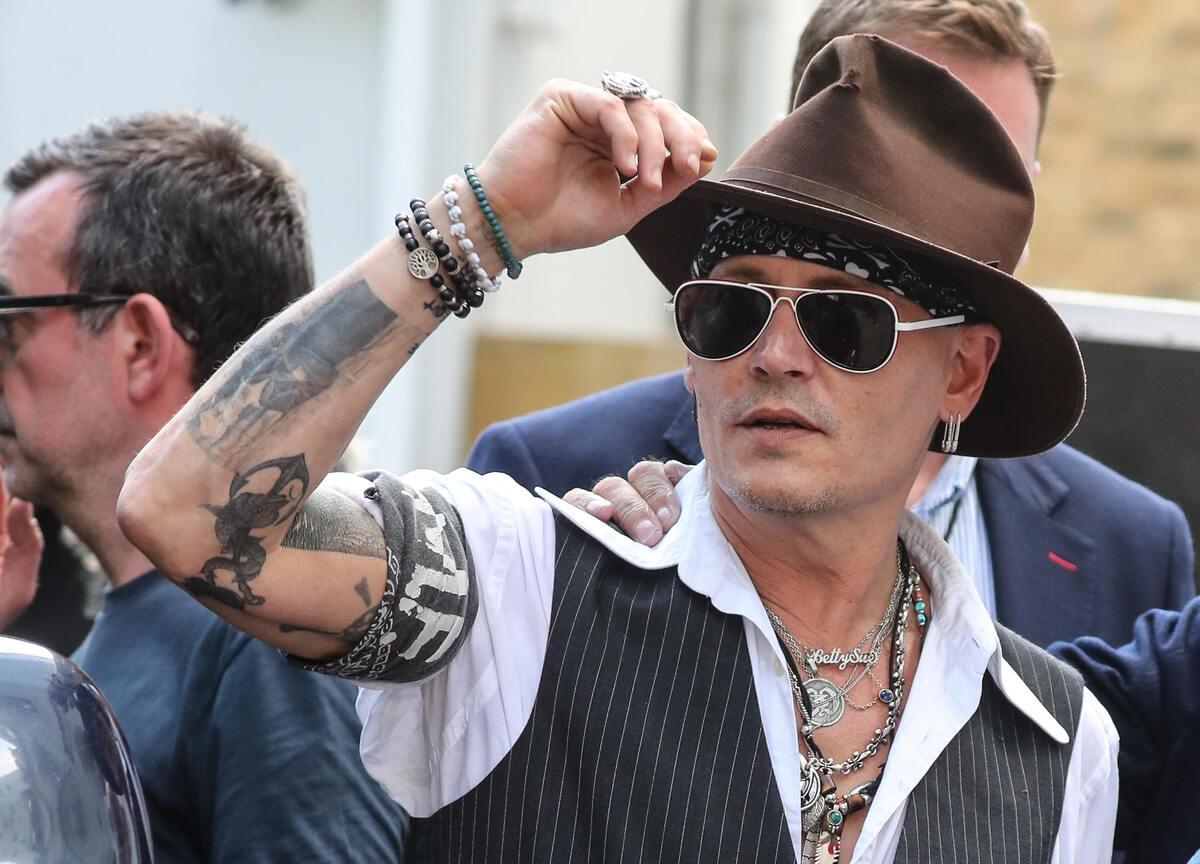 «Абсурд в медиа»: Голливуд бойкотирует Джонни Деппа
