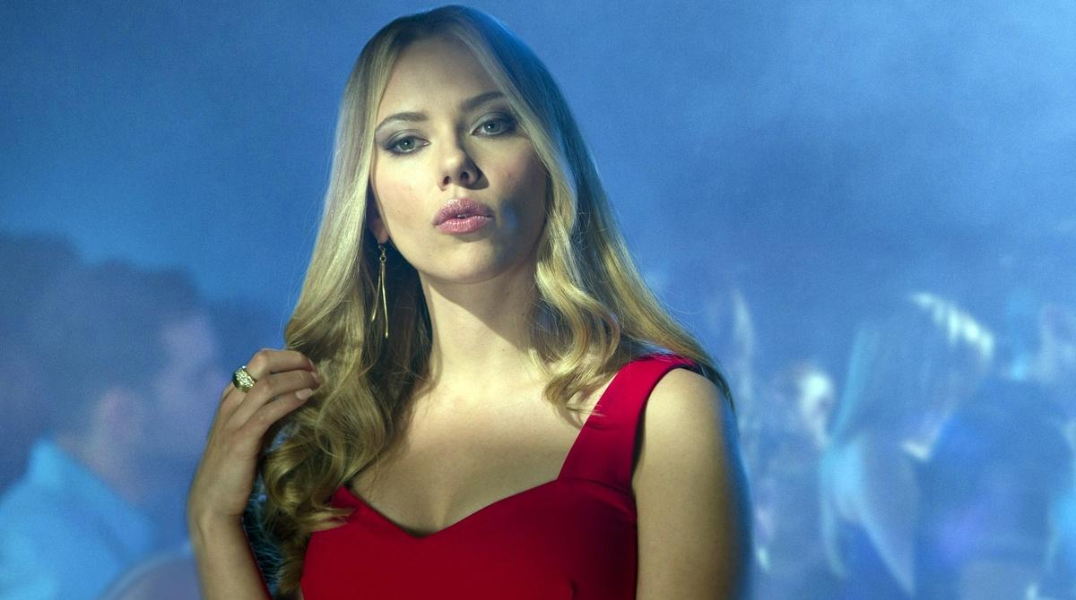Укус «Черной Вдовы»: Скарлетт Йоханссон обвинила кинобоссов в женоненавистничестве