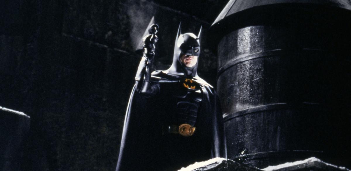 Неприлично роскошная: машину Бэтмена со съемок «Флэша» показали в Сети