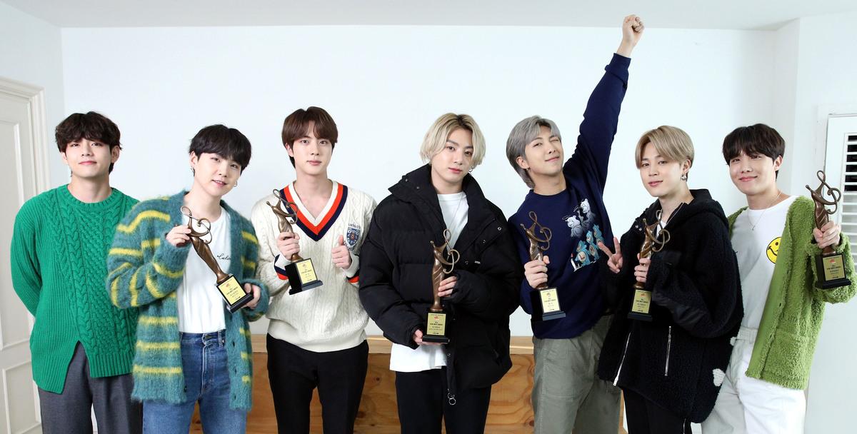 Участники BTS стали амбассадорами модного бренда Louis Vuitton