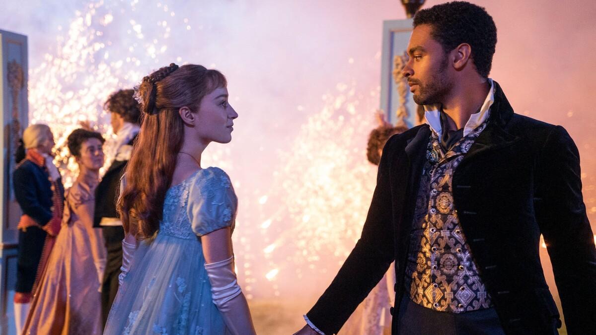 Фиби Дайневор рассказала, что будет с герцогом Гастингсом во 2 сезоне «Бриджертонов»