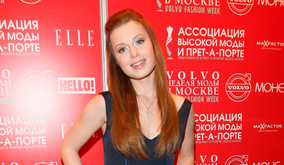 «Могу исполнять все свои хиты»: Савичева отрицает, что Фадеев отобрал у нее песни