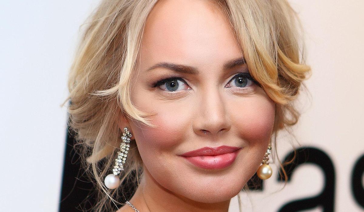 «Выглядит моложе, чем в молодости»: похудевшая Маша Малиновская покорила фанатов селфи