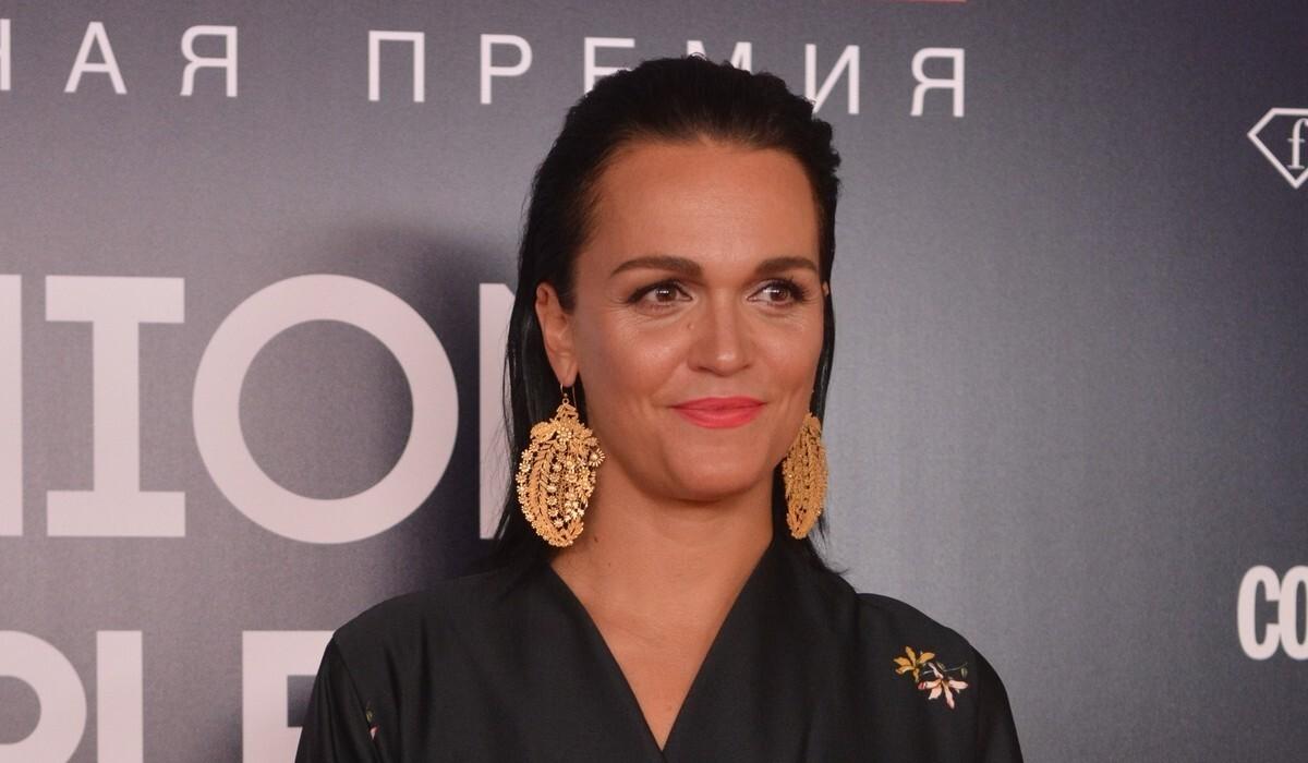 «Подумают, что жена олигарха»: певица Слава откровенно рассказала о заработках