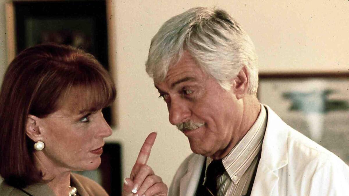 «Старики, слушайте меня»: звезда «Клиники» рассказал, как дожить до 100 лет