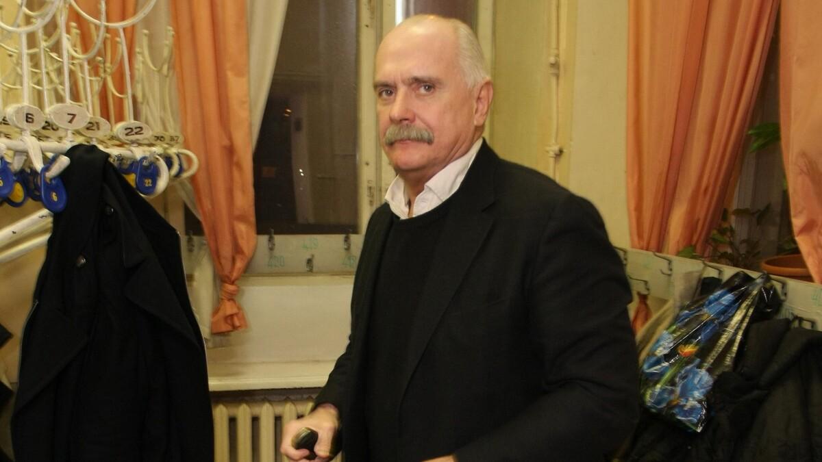 «Не подам вам руку»: Садальский припомнил Михалкову «унизительную» историю